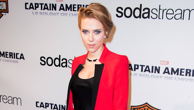 Top 9 at 9: Scarlett Johansson's power move, Gabrielle Union's stylish 'wardrobe malfunction' and more news