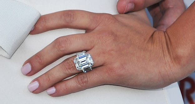 kim kardashian 39 s engagement ring sold for how much aol. Black Bedroom Furniture Sets. Home Design Ideas