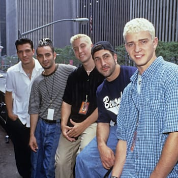 LOS ANGELES, CA - OCTOBER 27:  JC Chasez, Chris Kirkpatrick, Lance Bass,  Joey Fatone and Justin Timberlake of Nsync pose for a photoshoot circa 1998 in New York City.  (Photo by L. Busacca/WireImage)