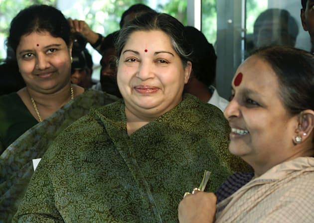 AIADMK Live Updates : Panneerselvam Sits in Meditation at Jayalalitha Memorial Marina Beach