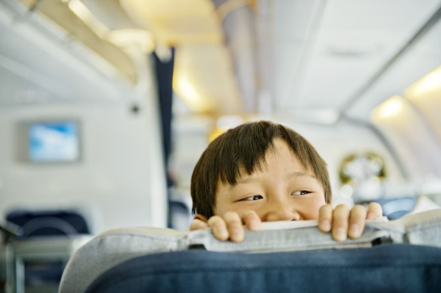 Travel etiquette what not to do on a plane Airplane cabin noise