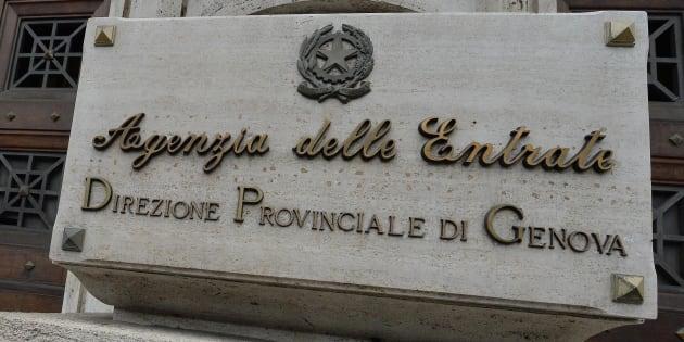 Genova, direttore delle Entrate arrestato mentre intascava tangente