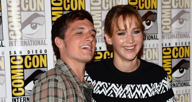 josh hutcherson jennifer lawrence kiss