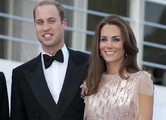 Duchess Kate looks ridiculously perfect in pink gown