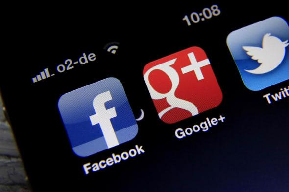 7. Europaeischer Datenschutztag (ARCHIV: Die Apps der sozialen Netzwerke Facebook (l. ) und Google Plus (M. ) sowie des Kurznach