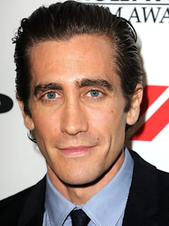 Jake Gyllenhaal hospitalized punching mirror