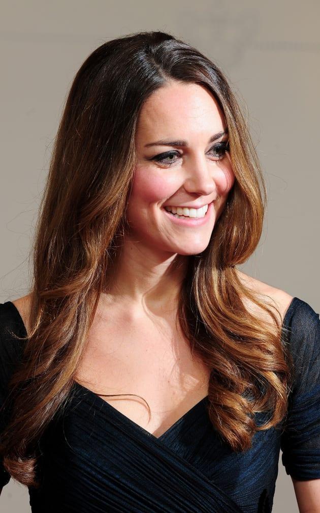 Kate Middleton gets all dolled up in Jenny Packham for Gala Dinner