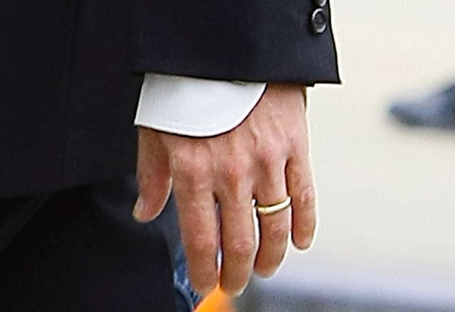 brad pitt flashes his wedding ring in new york