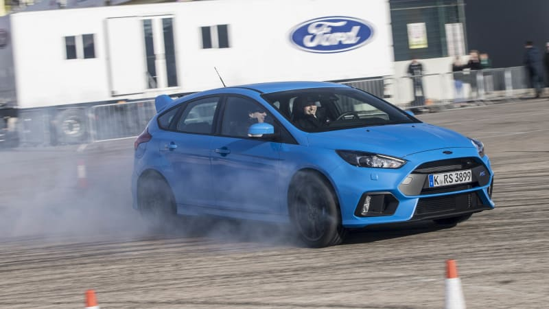 Free Ford Focus RS driving school will stop you from becoming a #DriftModeFail