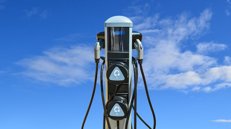 Number of EV charging stations continues to grow, while gas stations decline