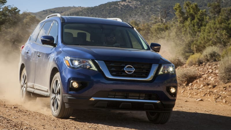 2017 Nissan Pathfinder refreshed with a masculine new face