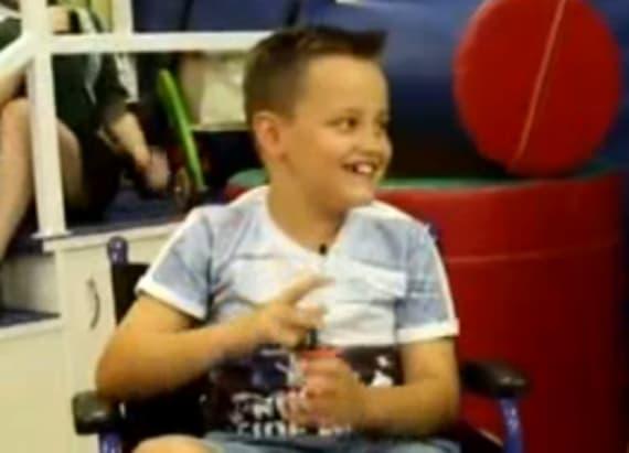 Actors surprise patients at children's hospital