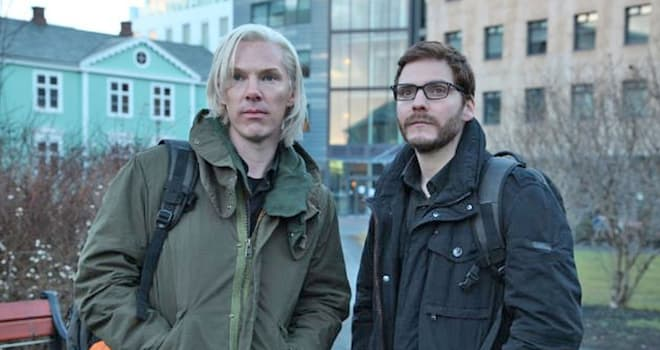 THE FIFTH ESTATE 2013 DreamWorks Pictures production with Benedict Cumberbatch  at left as Julian Assange and Daniel Bruhl