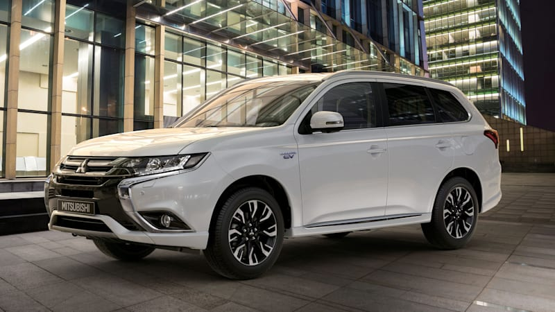 2017 mitsubishi outlander phev arrives in the us after a