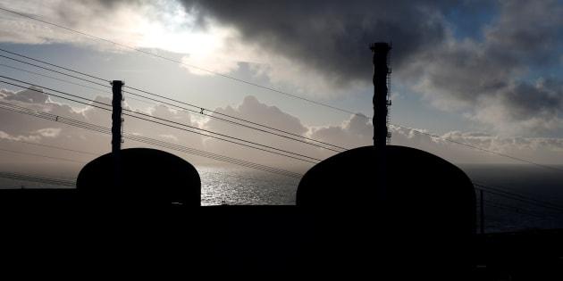Les deux réacteurs nucléaires à l'arrêt — Centrale de Flamanville