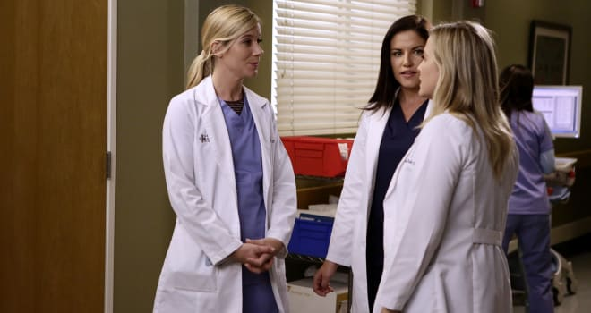 """GREY'S ANATOMY - """"Jukebox Hero"""" - Richard and the attendings set out to make Eliza's first day at Grey Sloan a bumpy one. Meanwhile, Meredith tries to track down Alex, on """"Grey's Anatomy,"""" THURSDAY, FEBRUARY 2 (8:00-9:01 p.m. EST), on the ABC Television Network. (ABC/Nicole Wilder)TESSA FERRER, MARIKA DOMINCZYK, JESSICA CAPSHAW"""