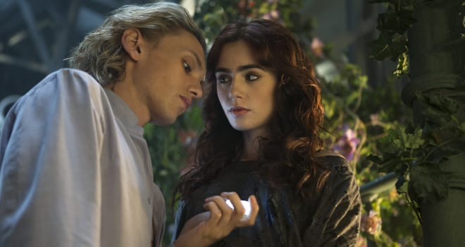 Jamie Campbell Bower Lily Collins