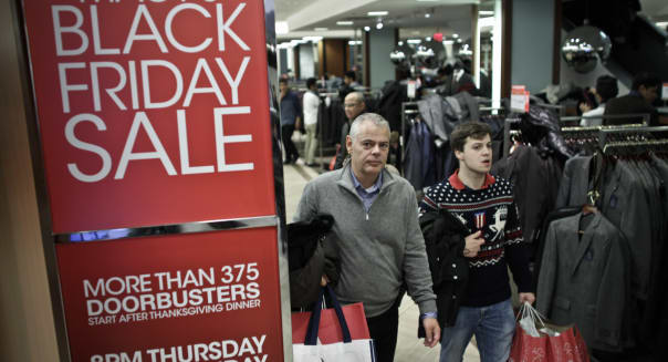 Holiday sales up 3.8 percent, retail trade group says
