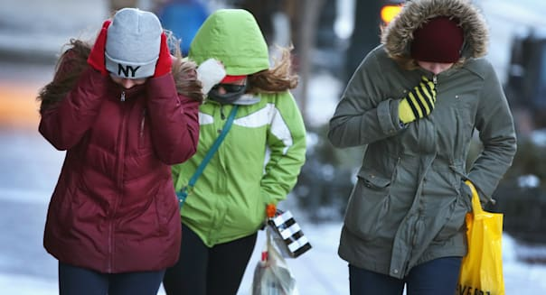 U.S. consumer sentiment inches up in Feb despite harsh weather