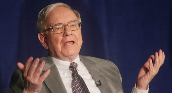 Jun 26, 2006; New York, NY, USA; CEO of Berkshire Hathaway Inc WARREN BUFFETT at a press conference where he announced his 31 bi