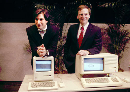 USA Cupertino Steve Jobs and John Sculley