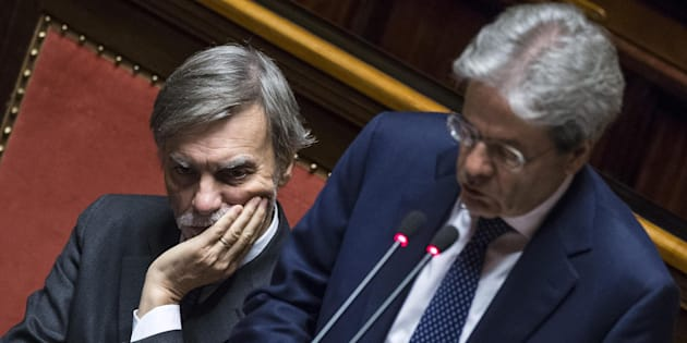Alitalia, dipendenti senza scelta, Delrio: