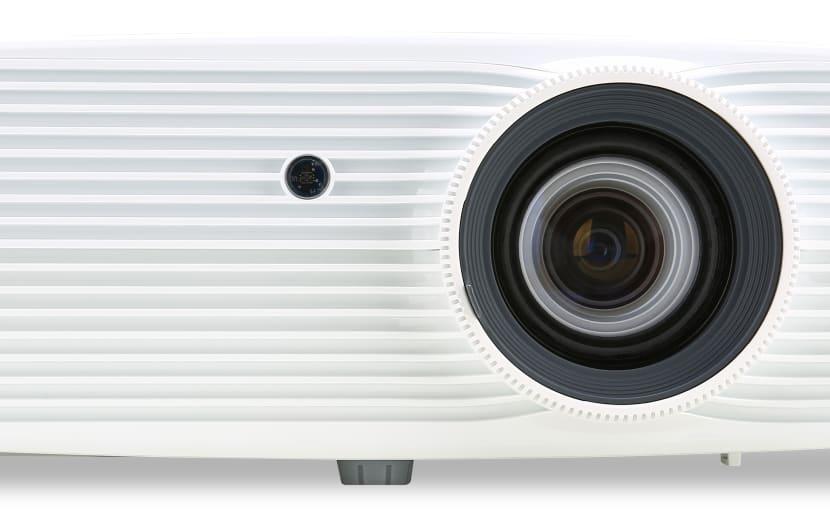 Acer stellt neuen Heim-Projektor H6512BD vor