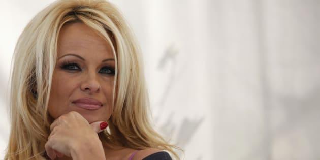 Pamela Anderson soutient Mélenchon