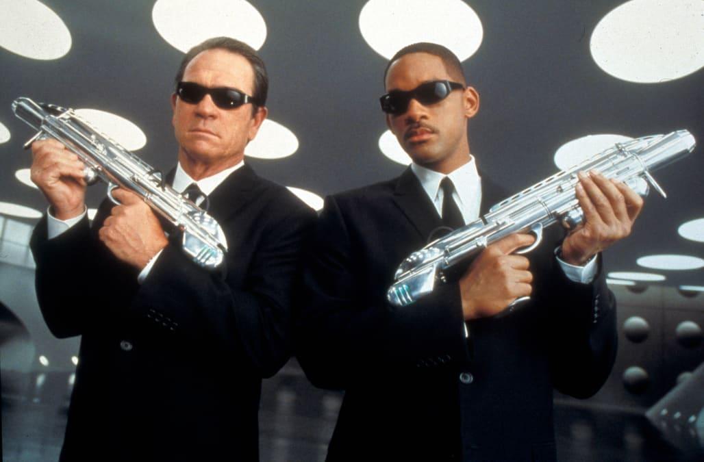MEN IN BLACK 2 (2002) TOMMY LEE JONES, WILL SMITH MIB2 004