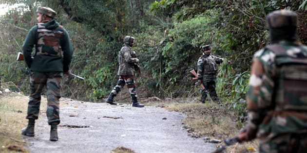 Three Soldiers, 1 Civilian Woman Killed in Militant Attack in Kashmir