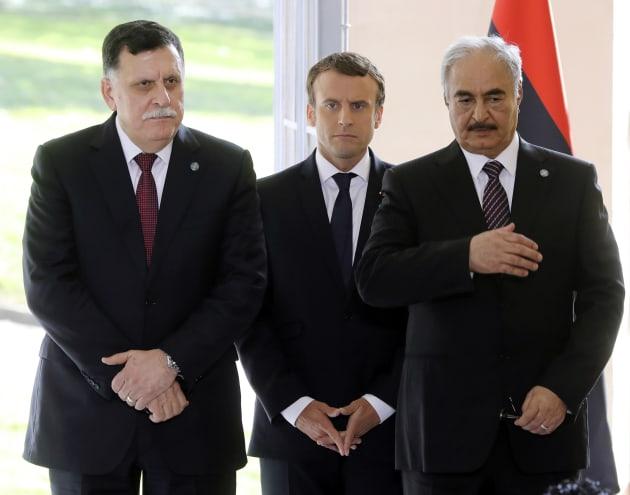 Risultati immagini per Macron Libia president