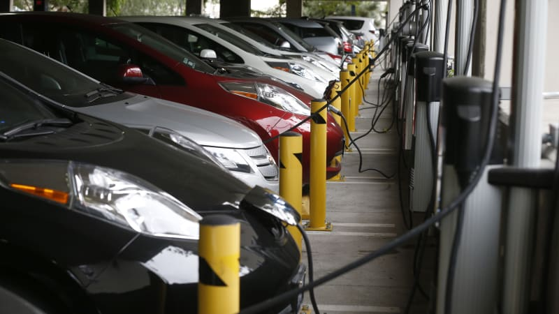 Obama Administration wants 200-mile EV that charges in under 10 minutes