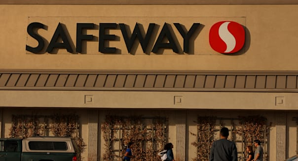 A Safeway Store And Distribution Center Ahead Of Earning Figures