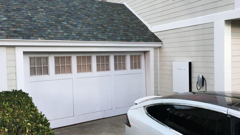 Tesla starts taking solar roof orders next month
