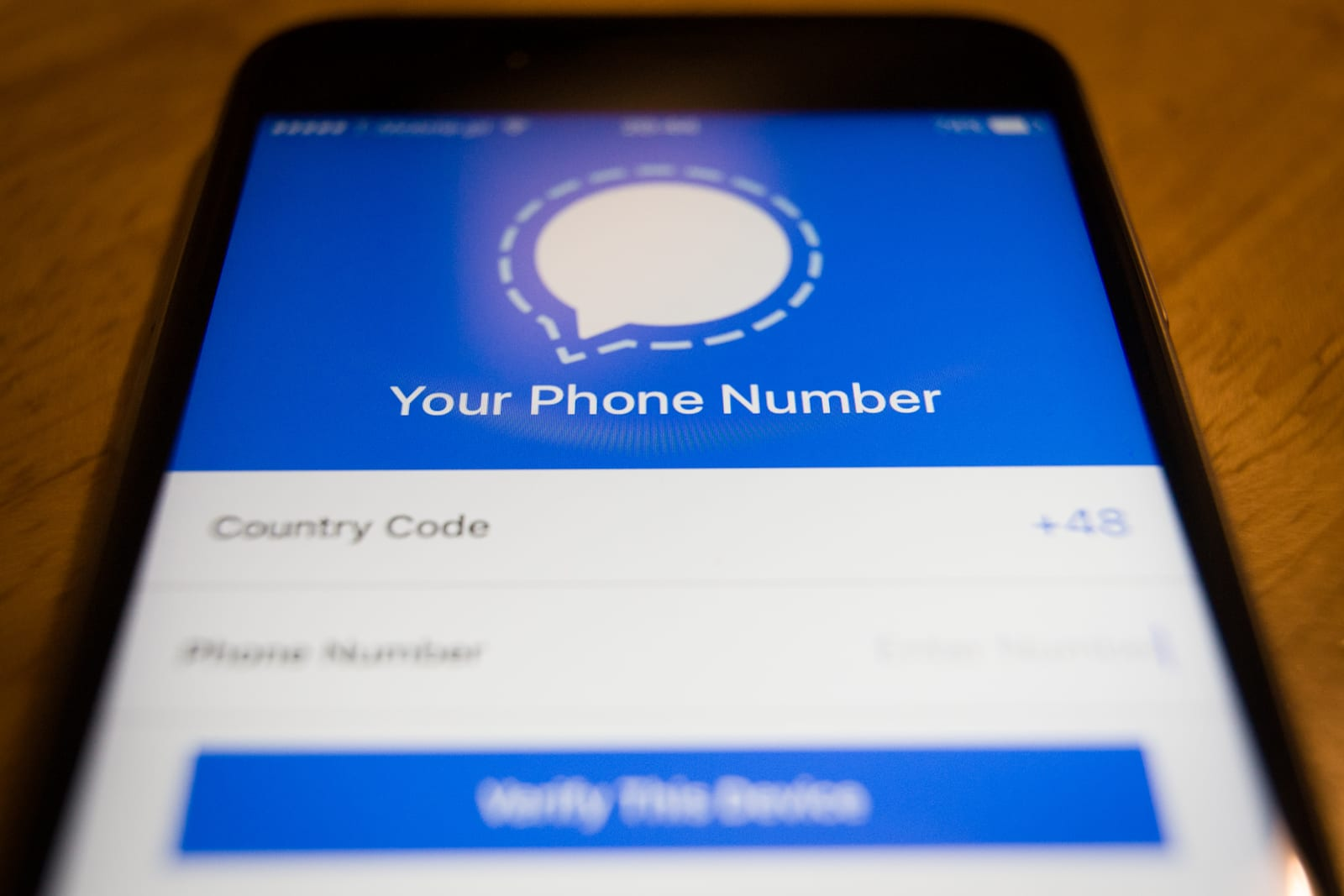 Signal tests changes to how users verify secure contacts