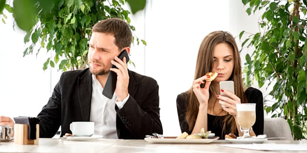 dating communication etiquette Here's how to handle phone calls in the modern dating world golden rules for phone calls facetimes or any type of vocal communication over the phone should be.