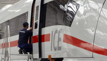 DEU Bahn Siemens ICE 3 Fertigung
