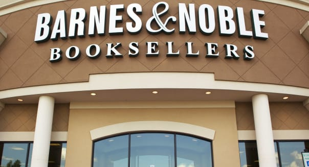 Barnes and Nobles Earns