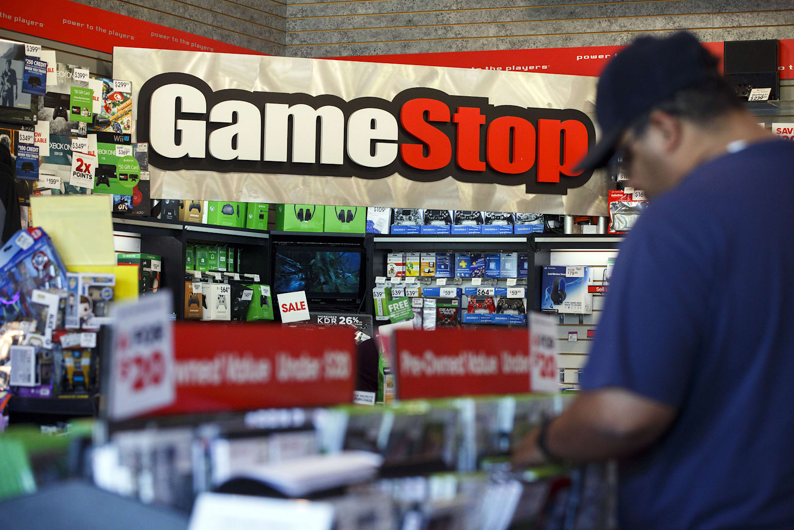GameStop looks into a potentially serious credit card breach