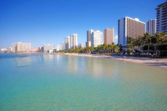 waikiki beach and skyline