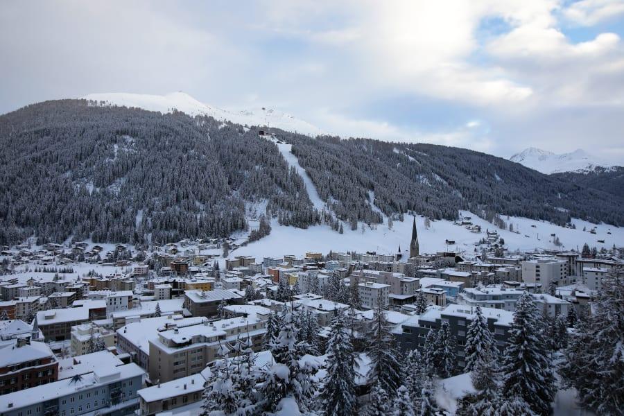 In Davos, Xi defends globalisation