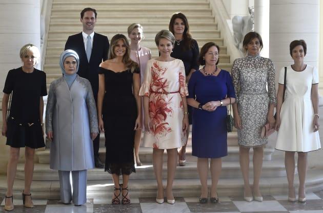 Sommet de l'OTAN : un Premier gentleman aux côtés des First ladies (PHOTOS)