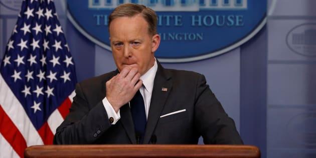 Siria: 'Neanche Hitler usava i gas', gaffe della Casa Bianca
