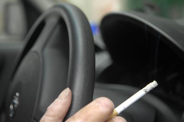 Lobbyists urge anti-smoking ban in cars