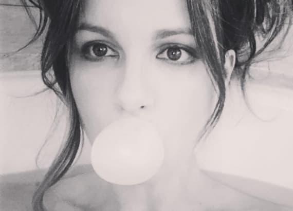 Kate Beckinsale's naked bathtub selfie