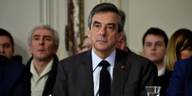 Présidentielle : 65 % des Français veulent que François Fillon se désiste