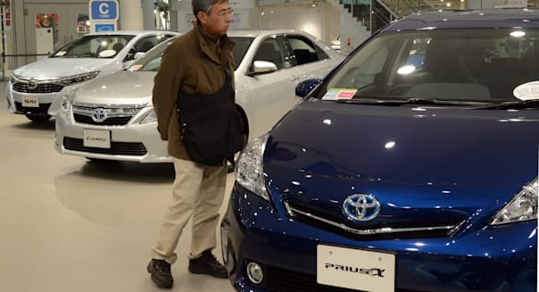 Toyota world's top selling car maker for 2nd year