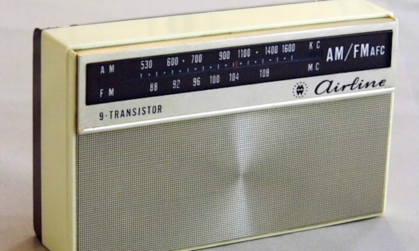 Vintage Airline 9-Transistor AM-FM Radio, Model Number GEN-1427A, Made in Japan, Sold by Montgomery Ward