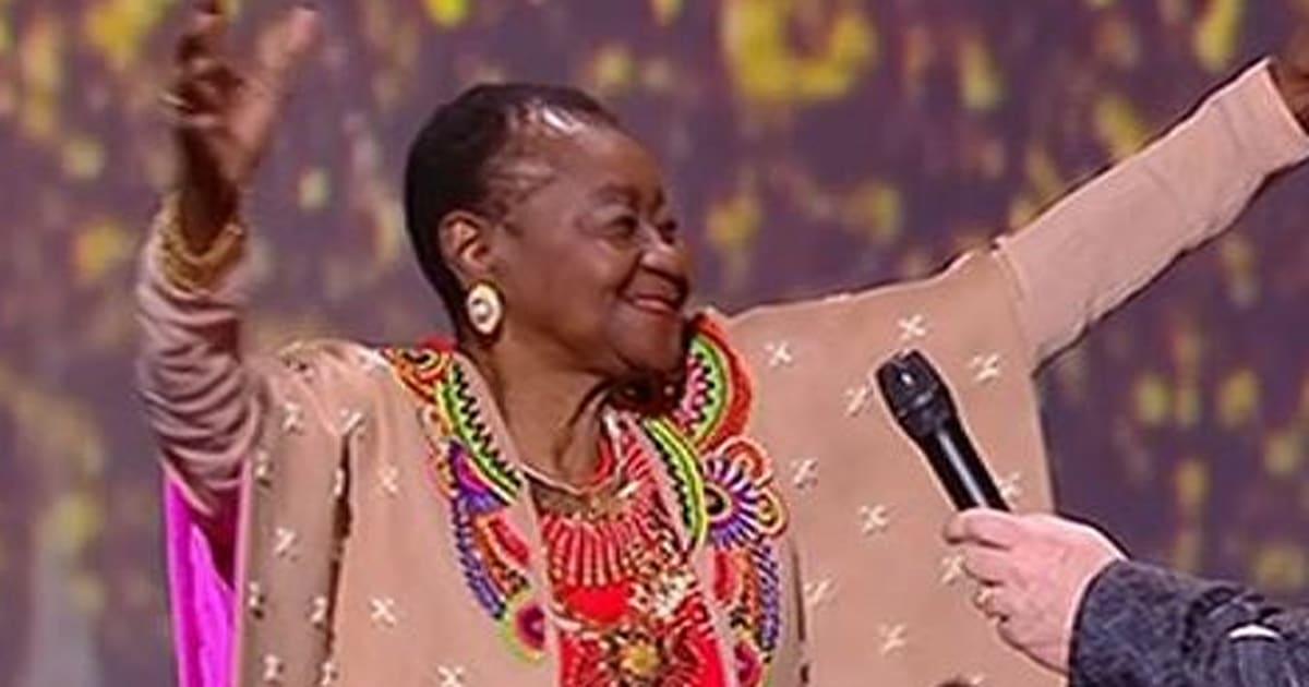calypso rose l 39 artiste qui a enflamm les victoires de la musique 2017 a 76 ans. Black Bedroom Furniture Sets. Home Design Ideas