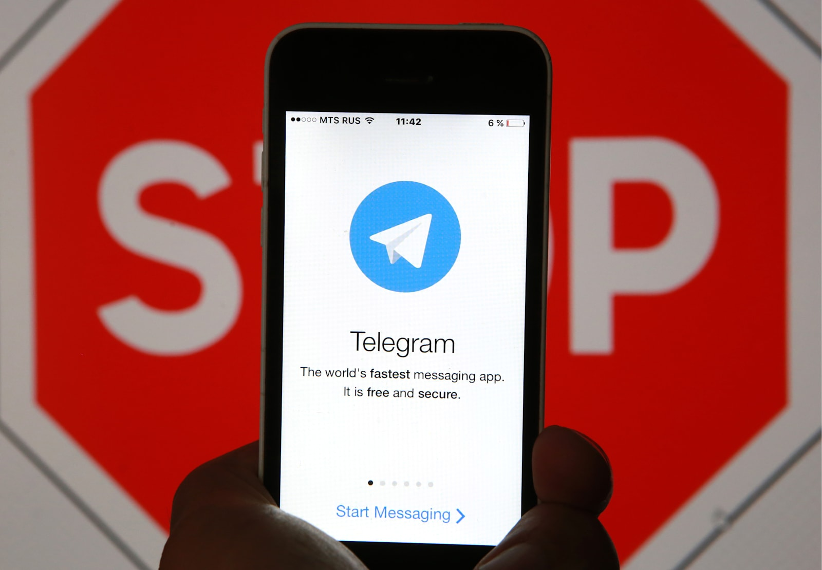 Telegram will register with Russia but won't share secure data